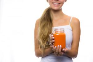 carrot-juice530377489