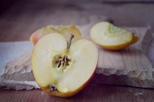 apple-1248811_640