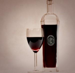 red-wine-1204076_640