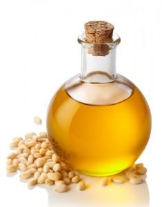 pine-nuts-oil4039