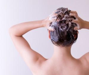 castol-oil-hair17907681